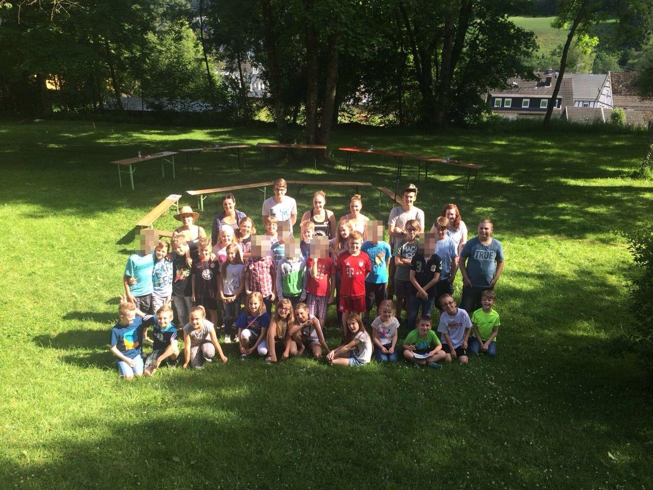 Bei strahlendem Sonnenschein feierten über 30 Kinder mit uns das Sommerfest