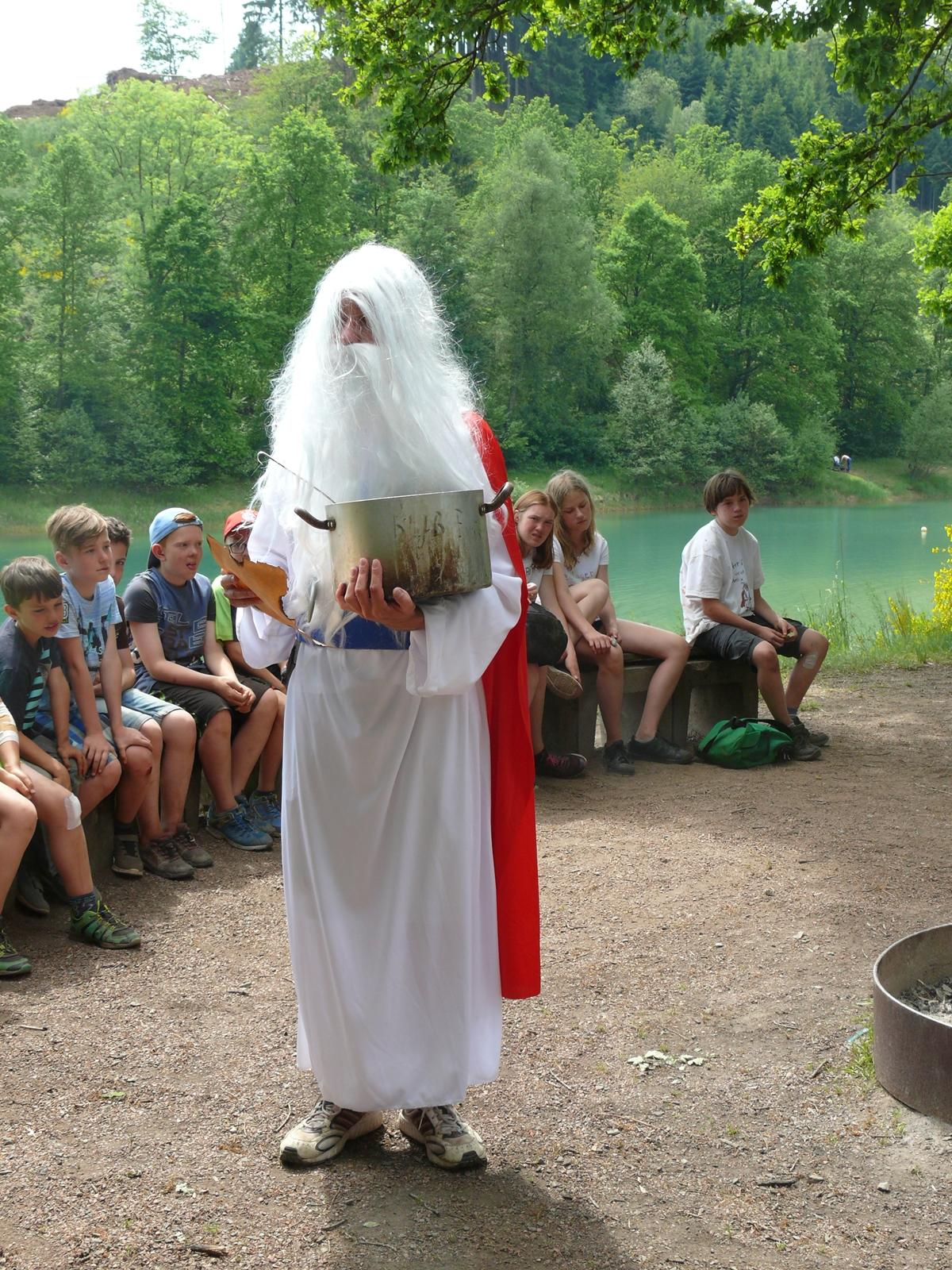 Während des gesamten Zeltlagers galt es, Miraculix zu helfen, die verlorenen Zaubertrankzutaten wiederzufinden,...