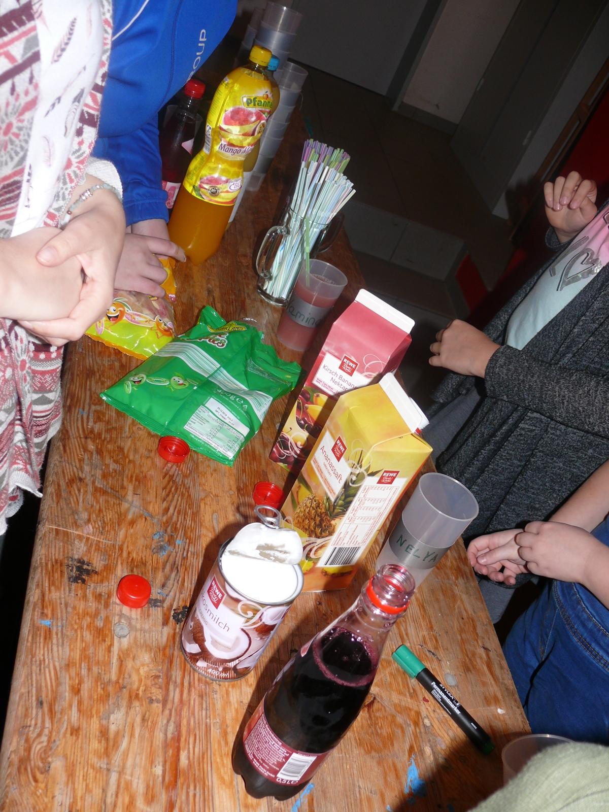Die Kinder konnten zwischen zwei verschiedenen alkoholfreien Cocktails wählen