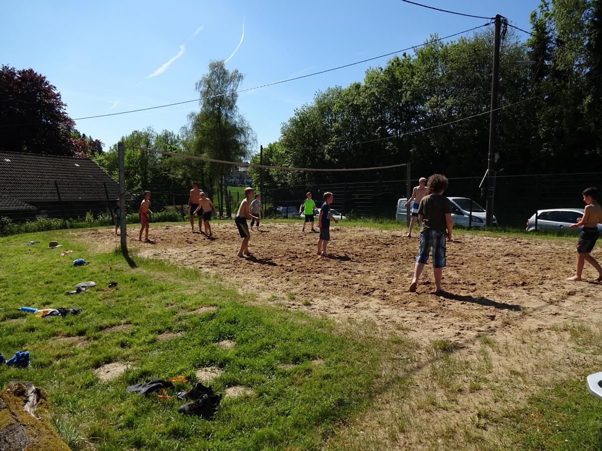 Der Volleyballplatz wurde ebenfalls viel genutzt