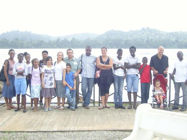 Évangélisation dans la ville d'Apatou avec les jeunes de l'église