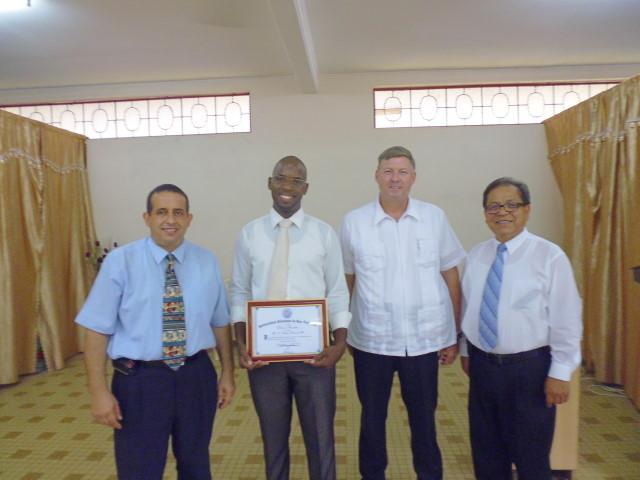 Pastores: Julio Montes, Ethan Champlin, Olivier Alcindor.