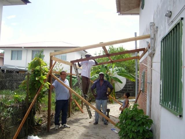 1° construcción aun lado de la casa (Enero 2009)