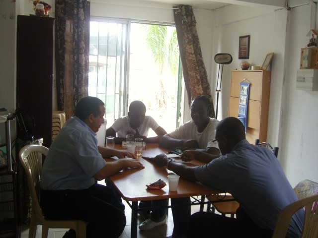 Évangélisation en dialecte (Taki Taki)