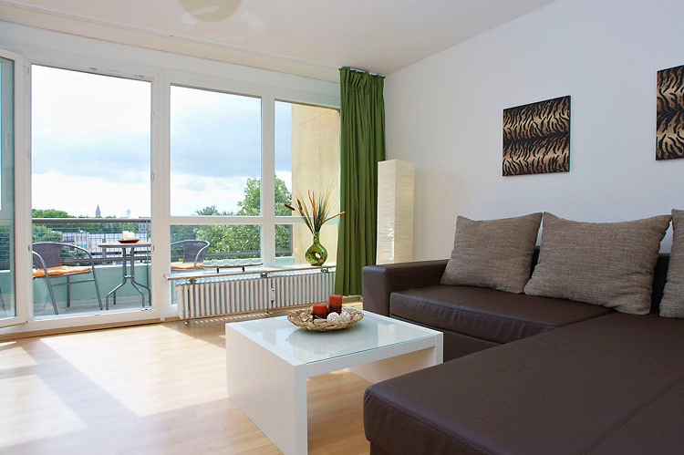 ferienwohnung mehringplatz apartment boardinghouse. Black Bedroom Furniture Sets. Home Design Ideas