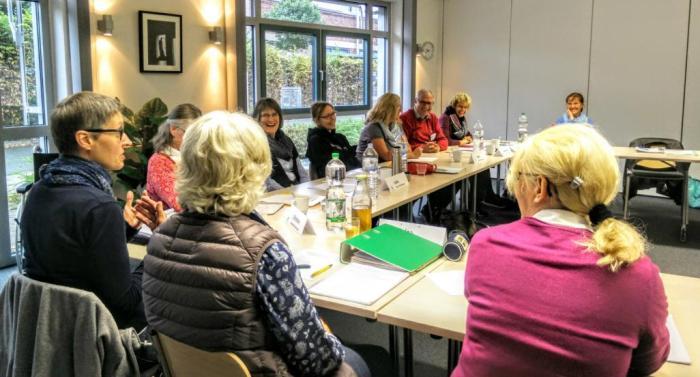 Werdende Senioren-Assistenten im Seminar.