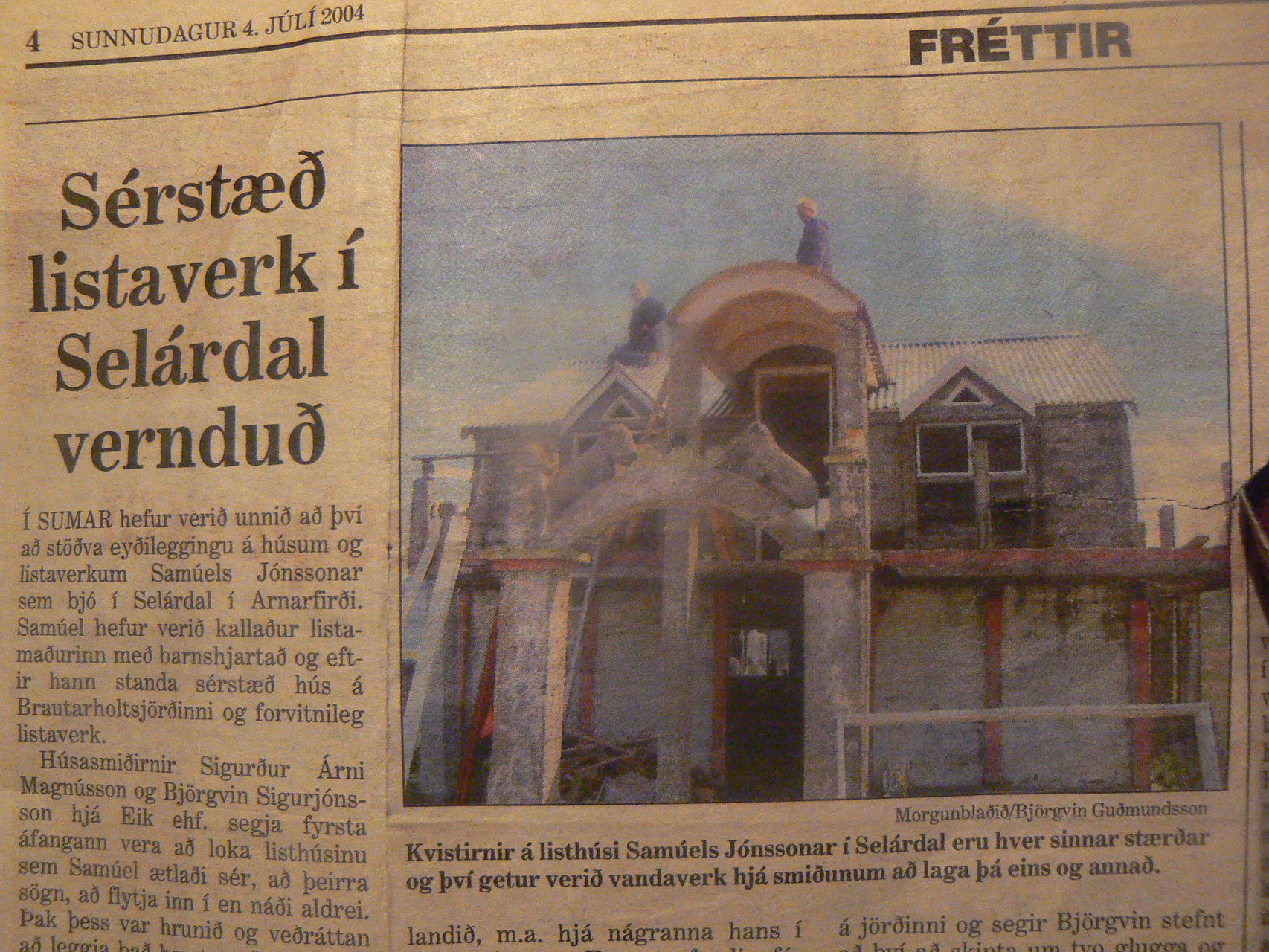 "Newspaper article on Samúel´s museum 2004 (work of company ""eik hf"" Talknafjördur)"