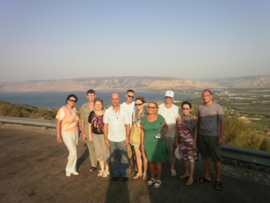 На уровне мирового океана перед спуском в Иорданскую долину