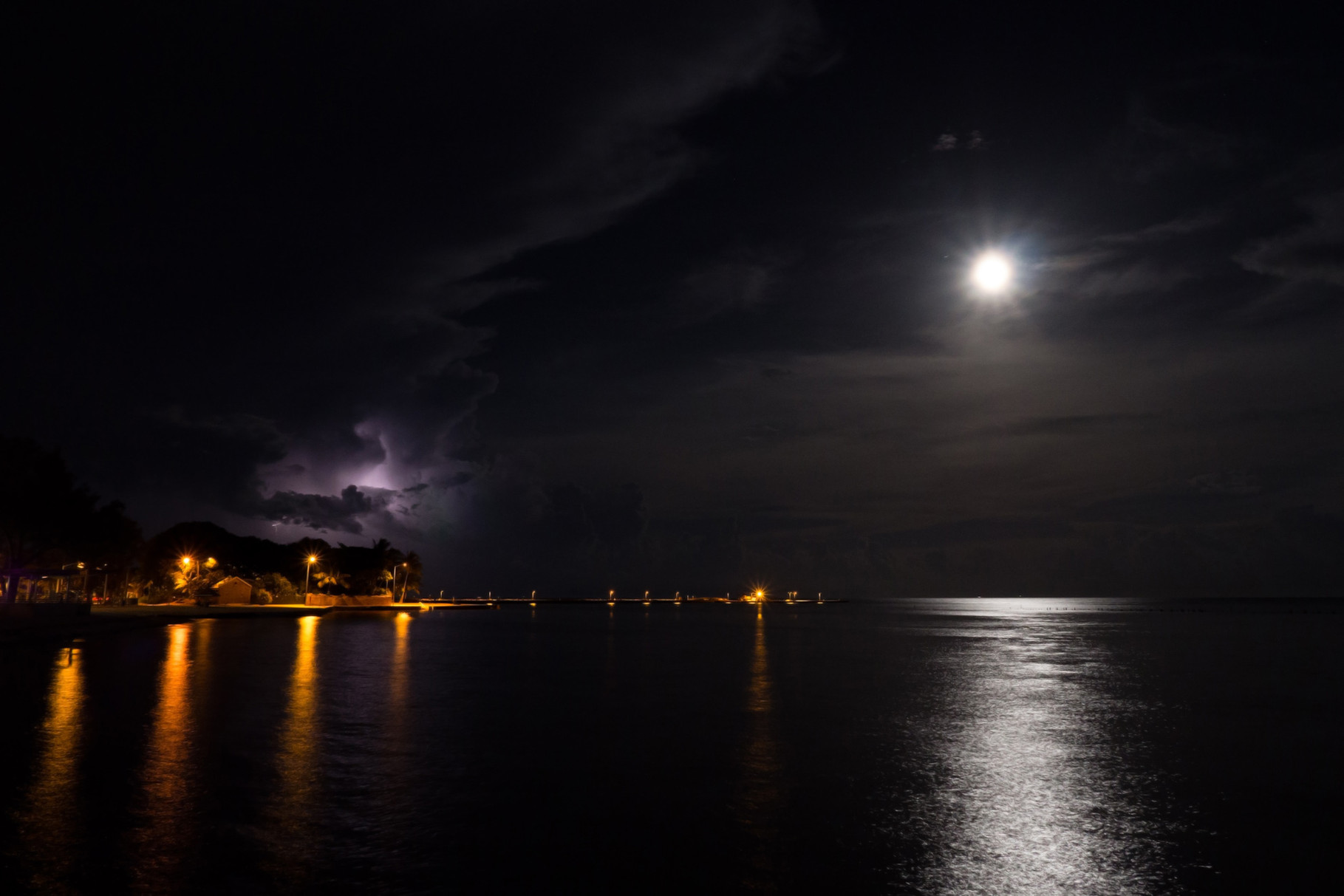 Full moon and lightnings at Key West