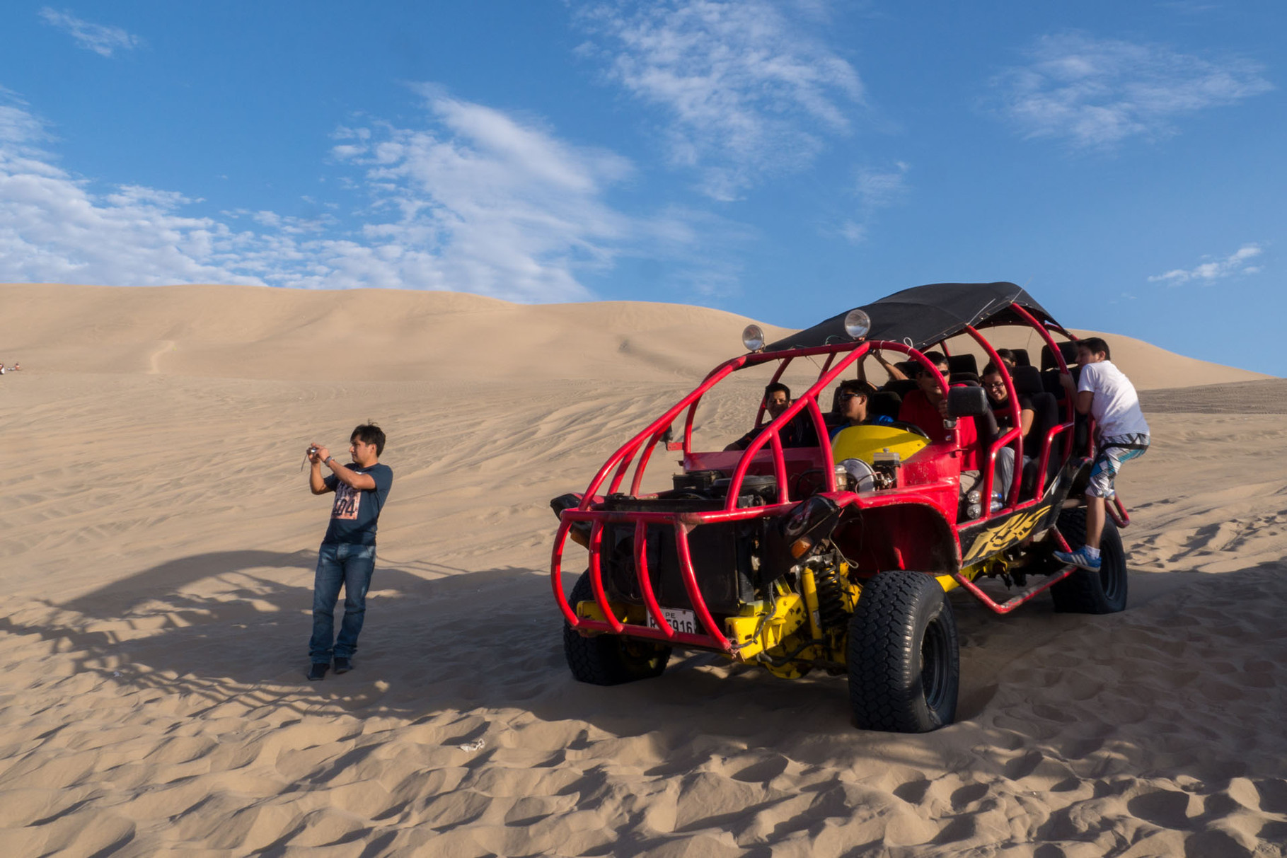 Sandbuggy tour in the dunes around Huacachina