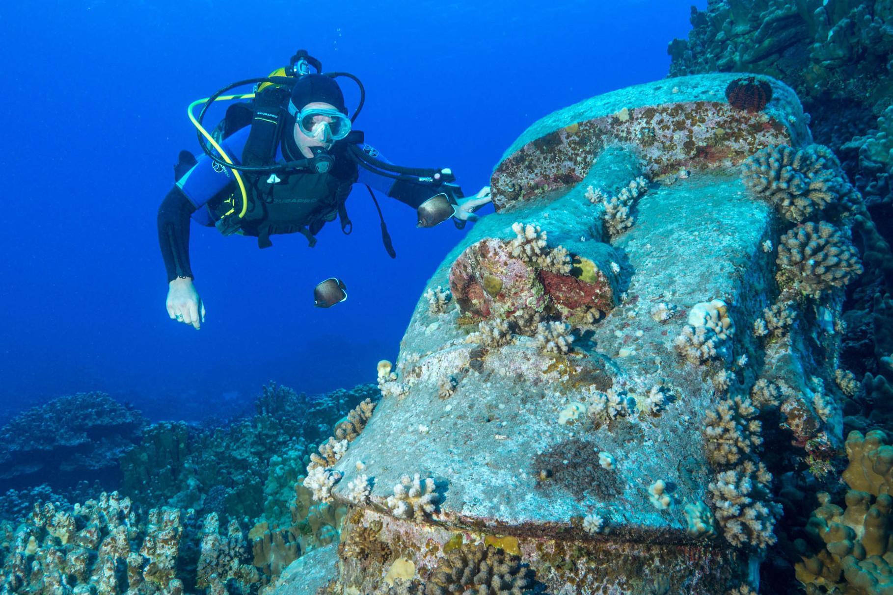 Replica Moai and diver