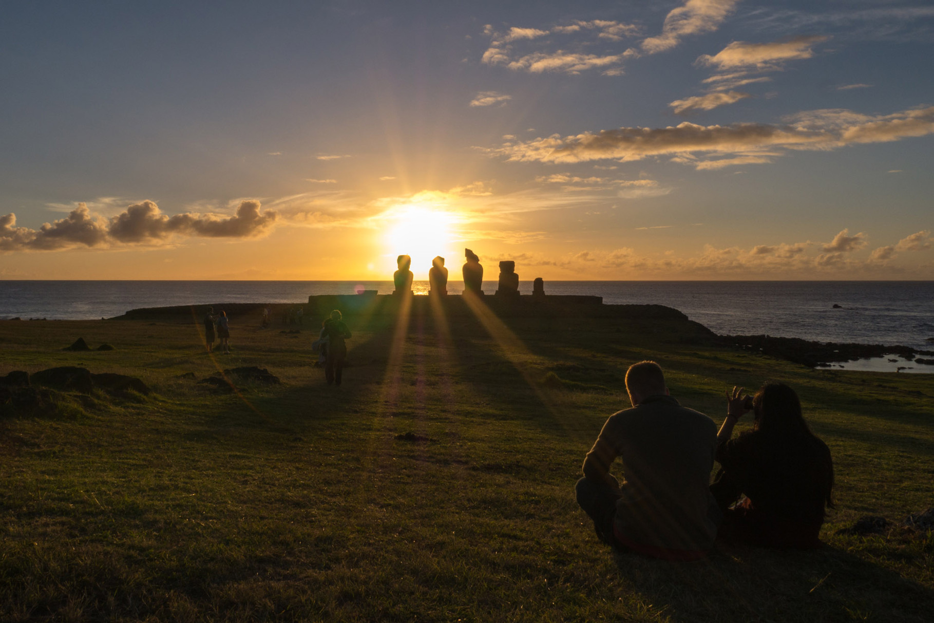 Tahai at sunset, Easter island [Chile, 2014]