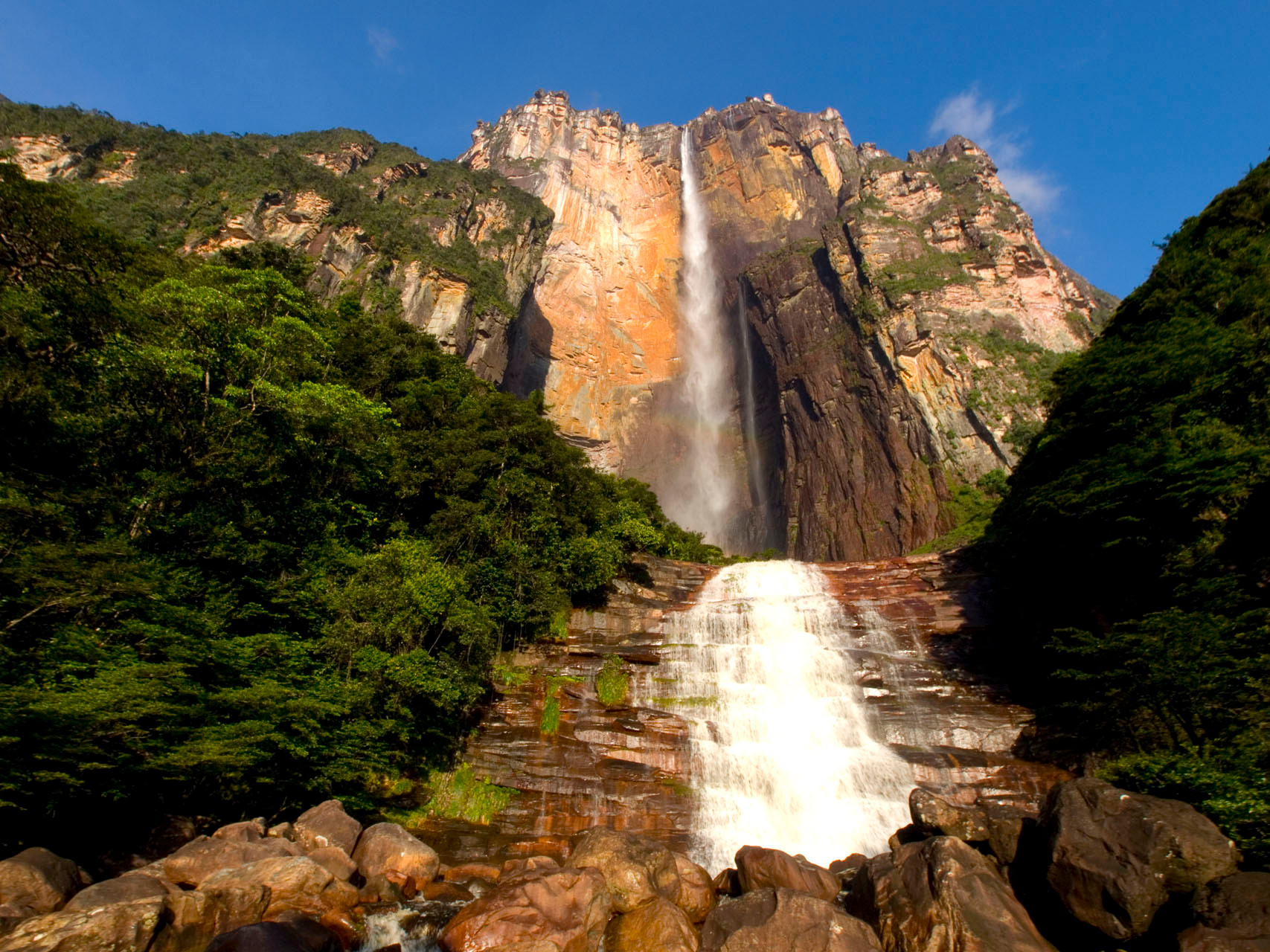 Canaima National Park: world's highest uninterrupted waterfall, with a height of 979 m and a plunge of 807 m
