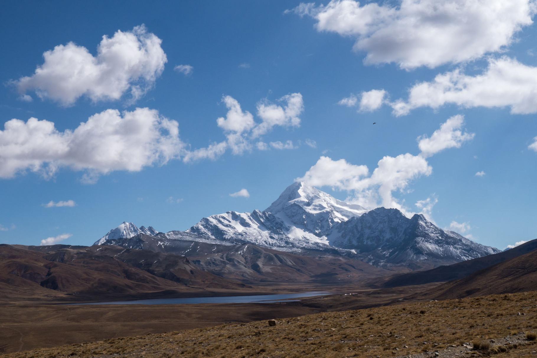 Huayna Potosi (6088 masl), northwest of La Paz
