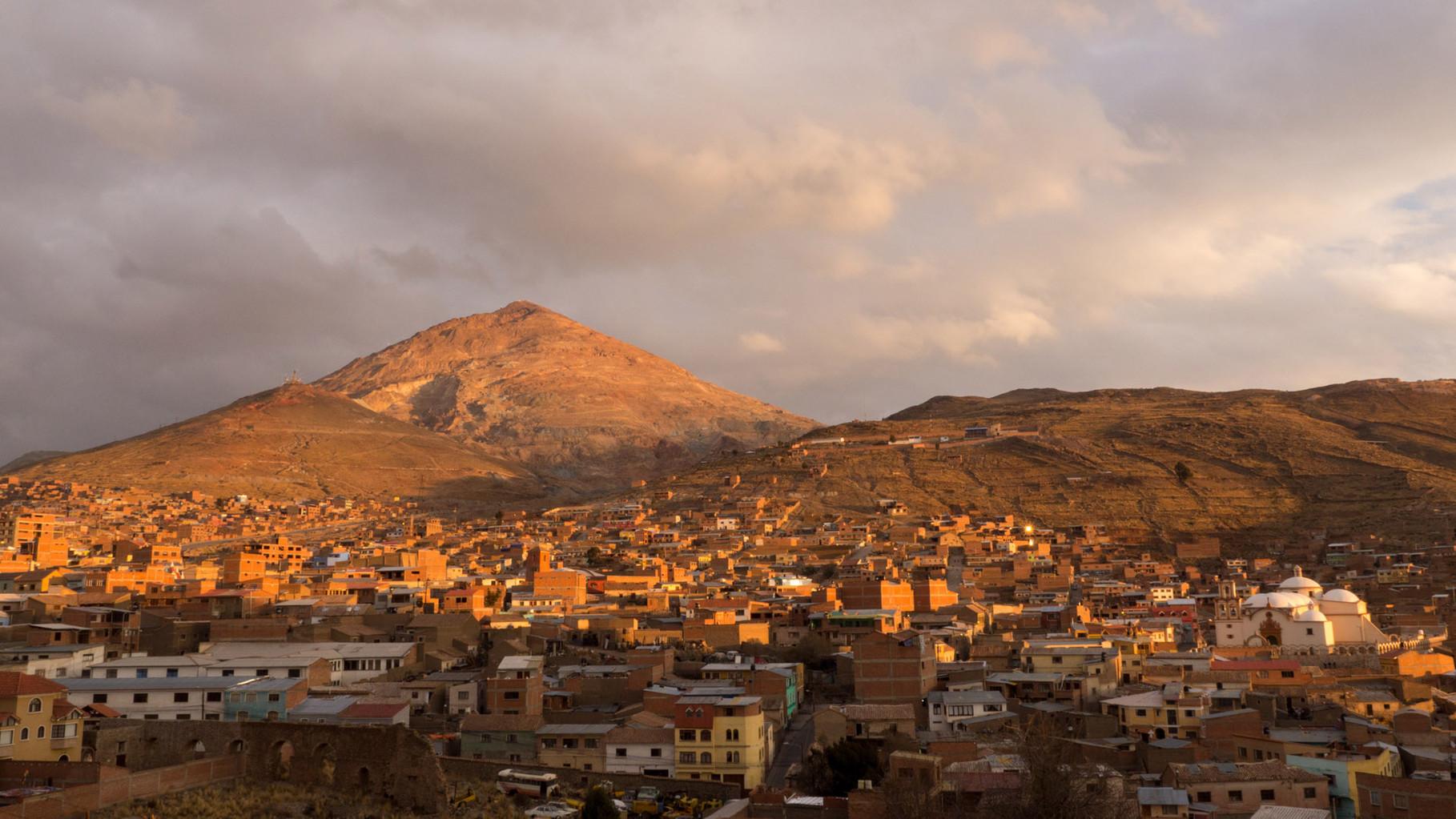 Potosi (4000 masl) with the mineral-rich Cerro Rico in the background