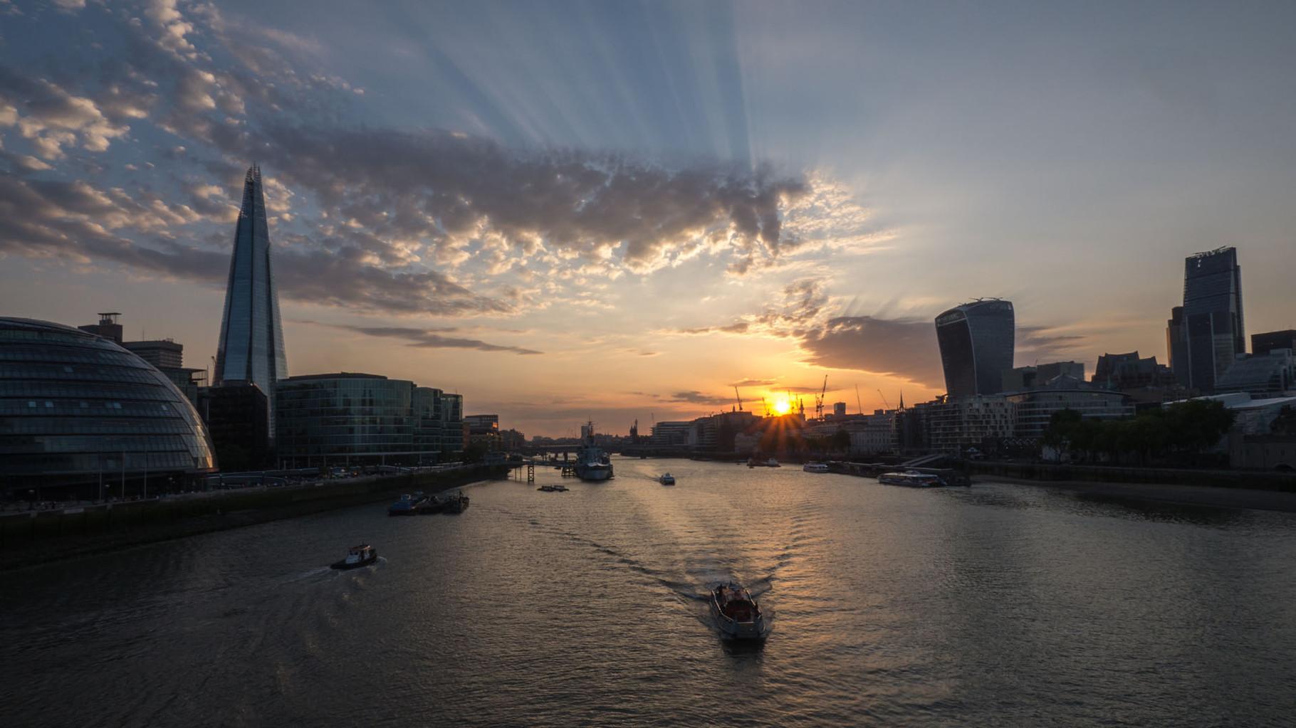 Sunset Tower bridge, London