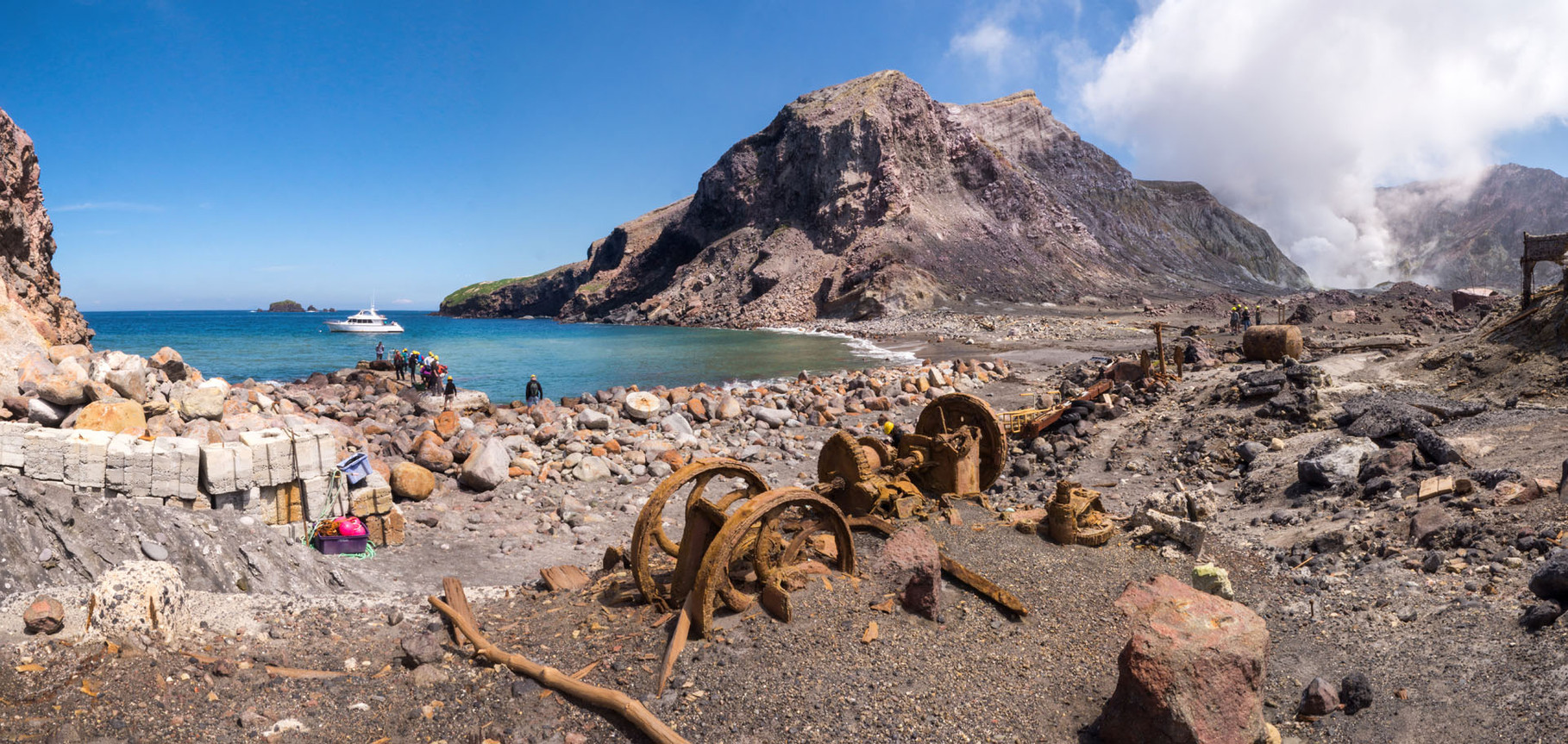 "Active marine volcano ""White Island"": Remainings of the sulphur mining and volcanic steam"