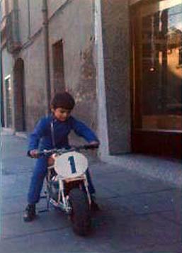 """Javier y su Mini Marcelino """"racer"""", número 1 de las pistas"""