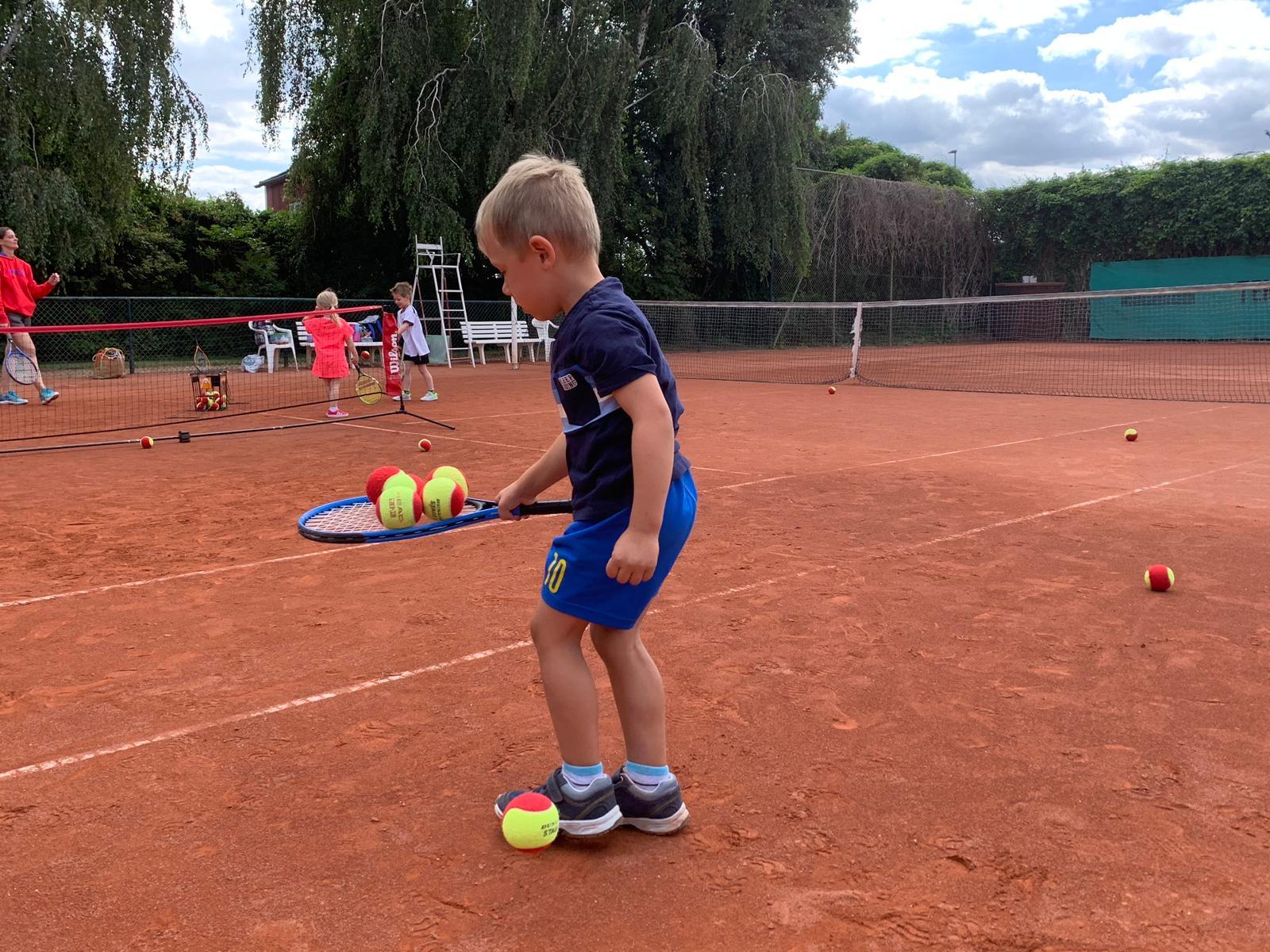 Kursstart: Ball- und Bewegungsschule für 2-3 Jährige ab 11. Juni in Magdeburg