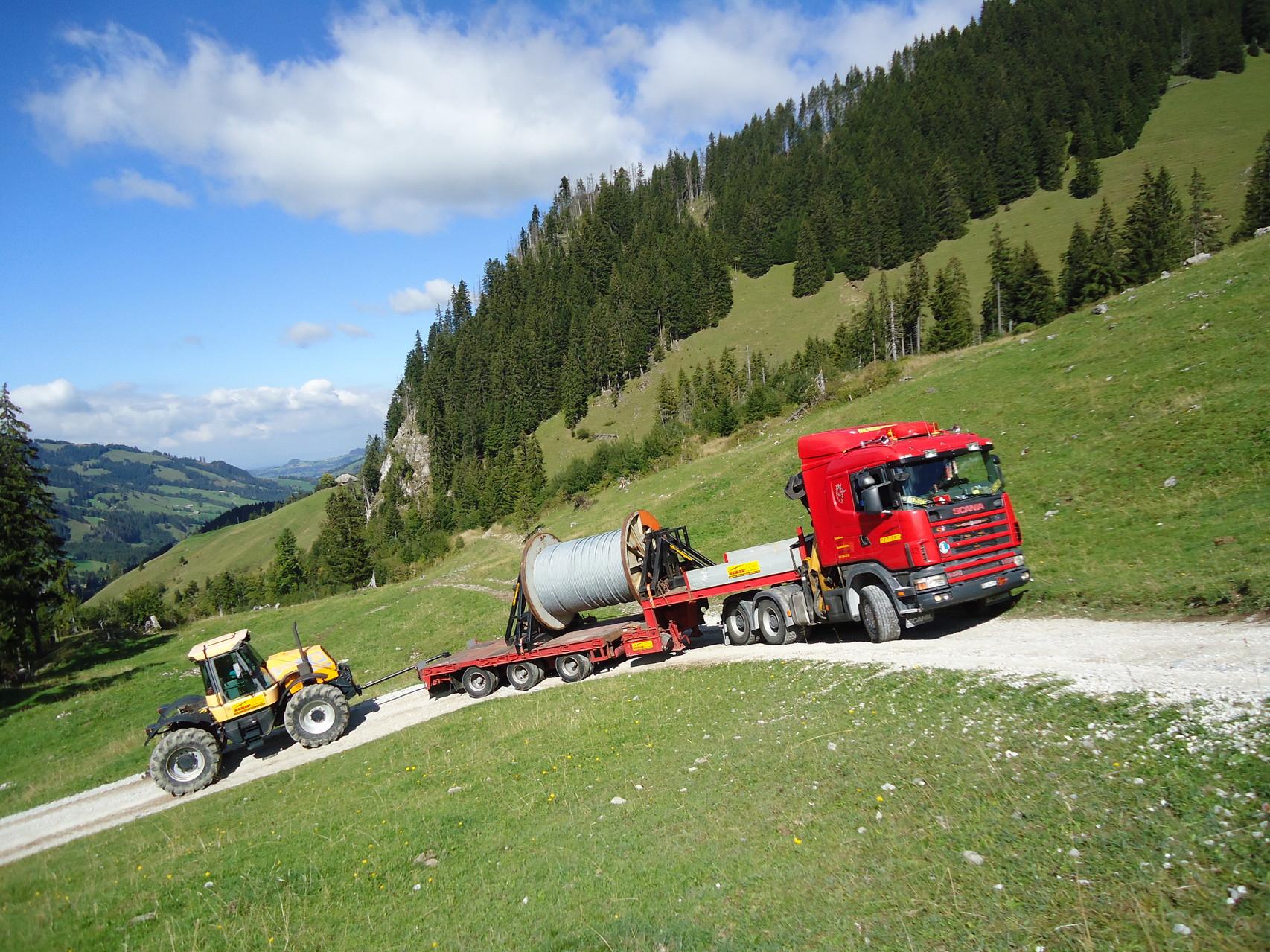 Seiltransport Gebirge Seilbahn