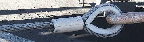 Stahlseil-Schlaufe mit Presshülse und Kausche