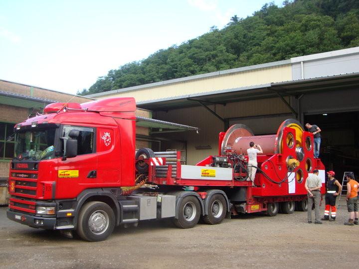 Spezialtransport der Seilwinde Reber mit 35 Tonnen Zugkraft
