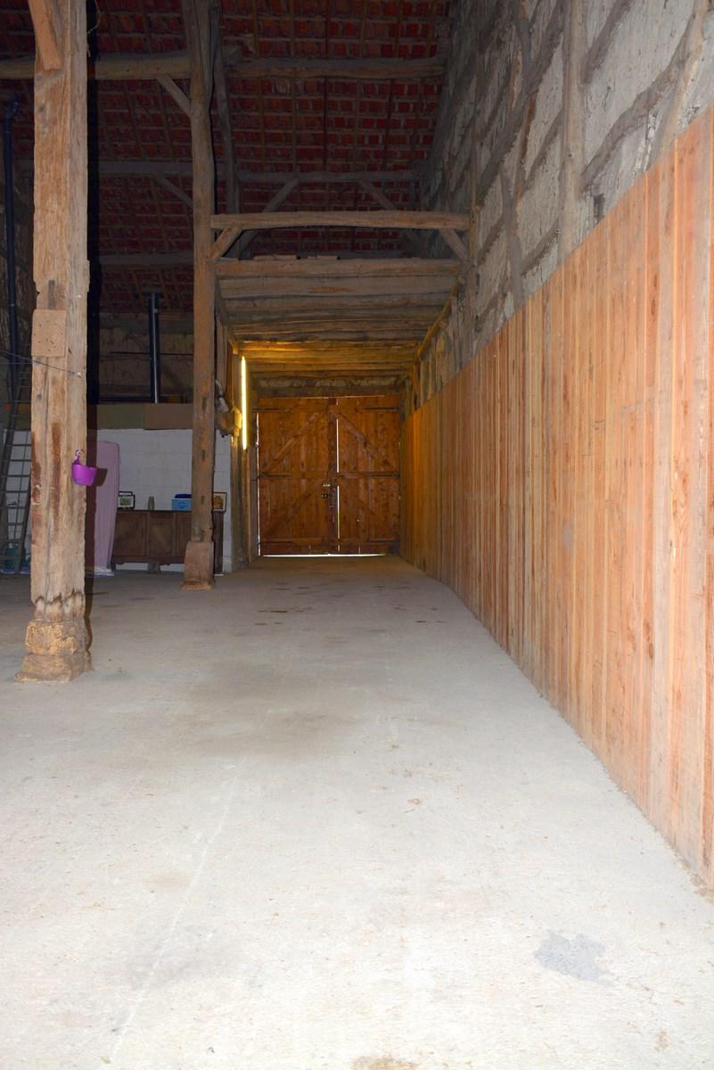 Grange authentique - en ARGONNE où le bois est roi -