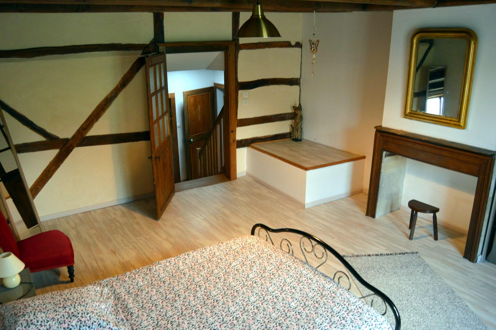 Chambre - lit de 140 - location de vacances - Région Grand-Est