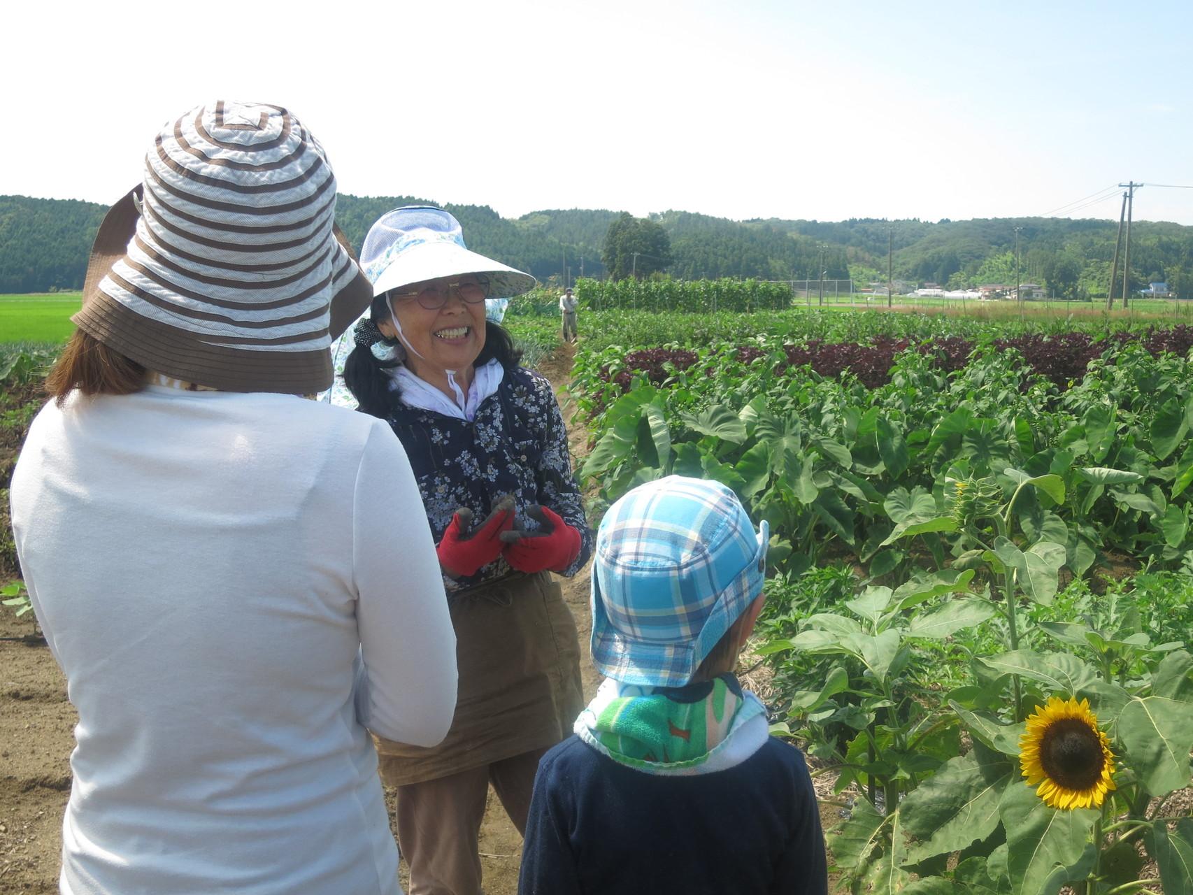 三本木で、いつも御世話になっている畑名人・角力山さんのご協力のもと、ワークショップを開催しました^^