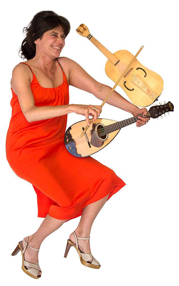 Angelina Albano: Fidel, Mandoline, Gesang