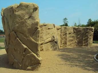30m lange freistehende Boulderwand