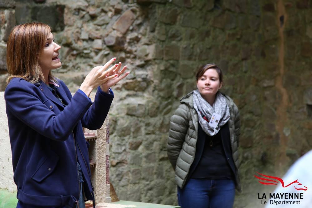 ©Marina Guittois - Visite en LSF pour le CIAP à Sainte Suzanne