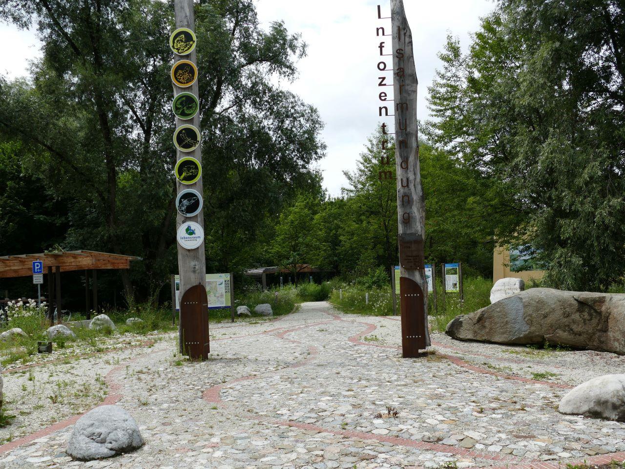 Der Eingang zum Infozentrum Isarmündung
