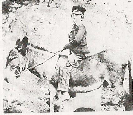 R.L.Stevenson à l'âge de 10 ans sur un âne