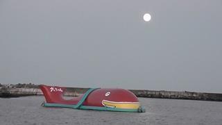 月の出~水平線から昇る月~