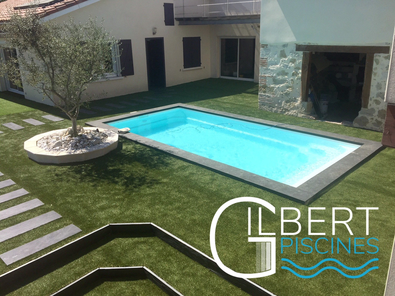 Installateur piscine enterr e coque et vente de spas for Vente de piscine