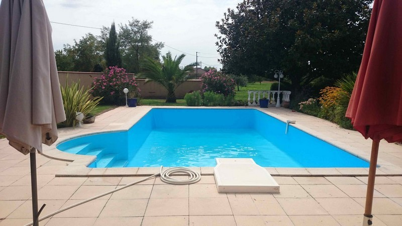 R novations pose liners gilbert piscines sas for Remplacement liner par resine piscine