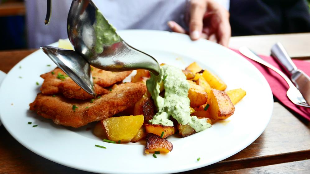 Schnitzel mit grüner Soße Frankfurt