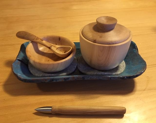 Zuckerdose mit Löffel und Ablage aus Ahorn