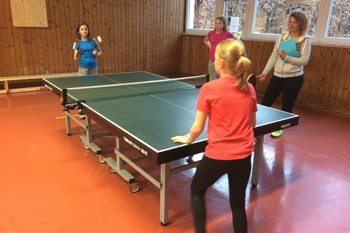 Abends wurde dann noch ein Tischtennisturnier veranstaltet mit viel Spaß und durchaus Ehrgeiz.