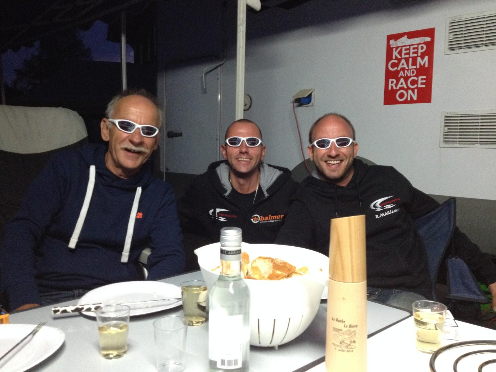 coole Brillen gabs für die Piloten ;-)