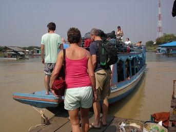 Notre embarcation sur la Sangker River jusqu'au lac Tonlé