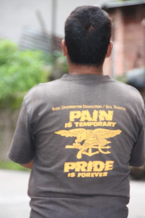 La  peine est temporaire, la fierté est éternelle.