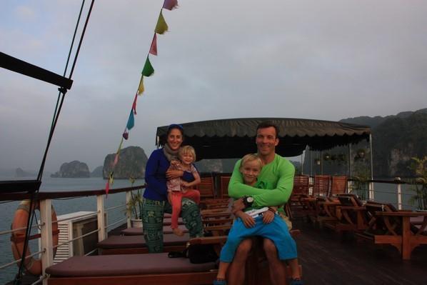 En famille sur le pont