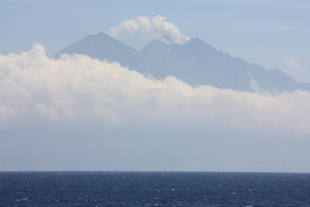 Un volcan indonésien en éruption !!!!