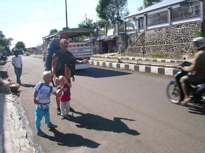Stop à Ruteng