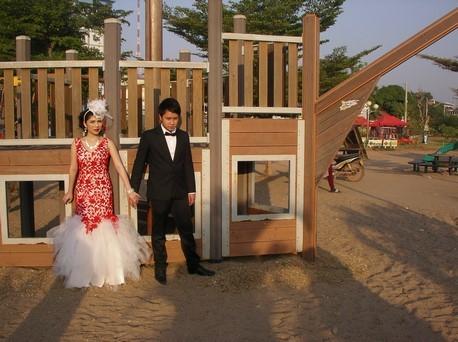 des Laotiens s'y marient ! Vous n'y aviez pas pensé?