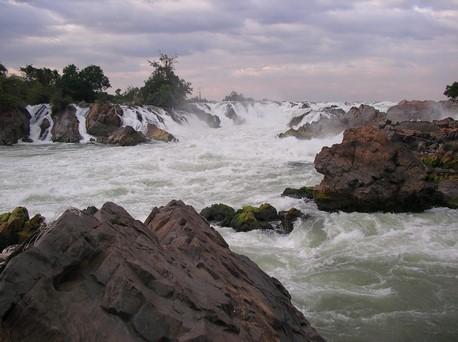 Khon Phapheng Falls ... cascade la plus large (13 km) du Mékong
