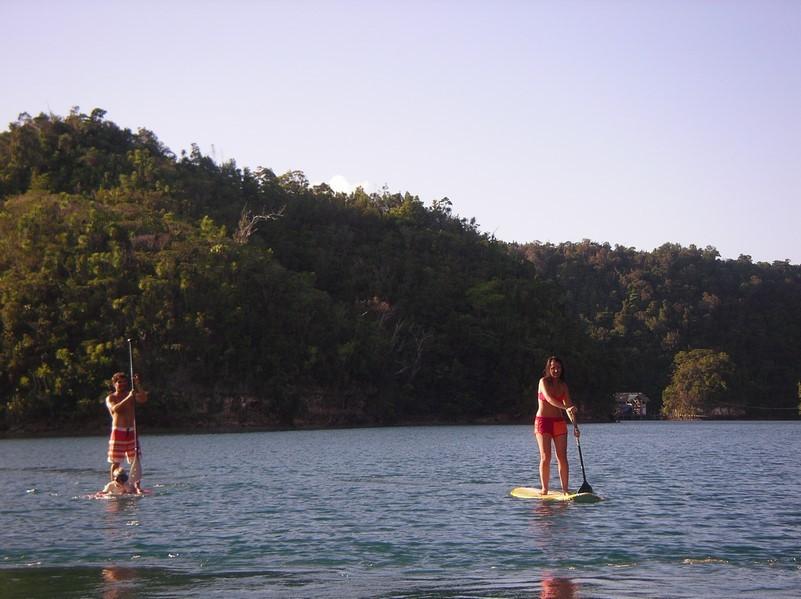 Blue Lagoon en stand up paddle pour Jérémy, Mael et Marine