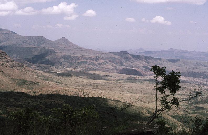ケニア山岳地帯の風景2